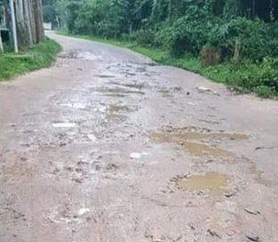 খাসাড়ীপাড়া রাস্তার সংস্কার হয়না ১৫ বছর ধরে, ১০ গ্রামের মানুষের দুর্ভোগ